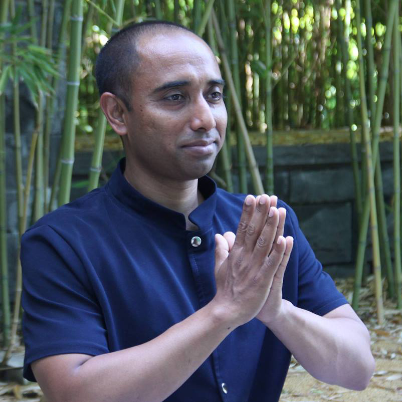 Mohan Halder, terapija in joga