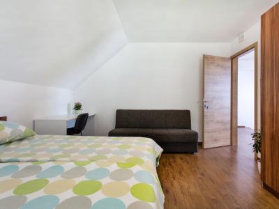 Domovoj, apartmaji in sobe